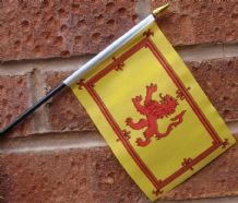 HAND WAVING FLAG (SMALL) - Scotland Lion